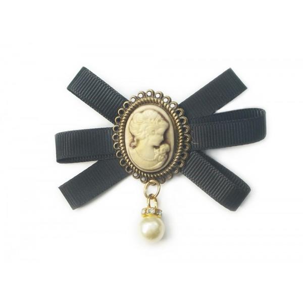 Broszka ozdobna z tasiemek perła
